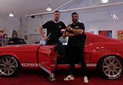 Podolski ve Charr, arabalarını Orkan Şahine modifiye ettirdi