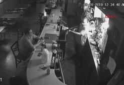 Bar soyuldu, o içmeye devam etti