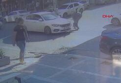 Otomobilin bir kadına çarpma anı kamerada