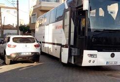 Akılalmaz kaza Otobüs ile otomobilin arasında sıkıştı