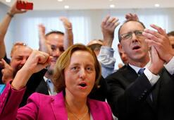 Almanyada aşırı sağcı AfDnin oyları arttı