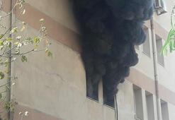 Lise binasındaki bilgisayar odasında yangın