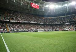 Beşiktaştan Galatasaraya üçlü göndermesi