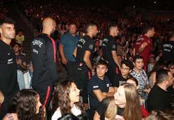 A Milli Takım, Oğuzhan Koç konserinde
