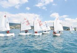 Sahilevleri'nde yelken yarışı