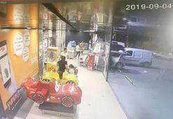 Akılalmaz olay 3 yaşındaki çocuk arabayla markete daldı