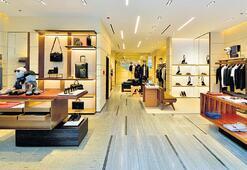 En büyük mağazayı Emaar AVM'de açtı