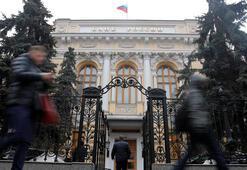 Rusya Merkez Bankası faizi 5 yıl önceki seviyeye indirdi