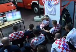 Futbolsever itfaiyecilerden alkış alan çaba
