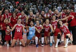 Türkiye, Polonyayı devirdi Filenin Sultanları Avrupa finalinde...