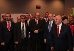 Cumhurbaşkanı Erdoğan, milli takımın soyunma odasını ziyaret etti