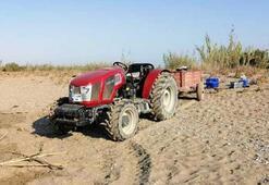 Caretta caretta sahiline traktörle girdi Görevlileri tehdit etti