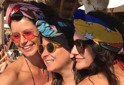 Beren Saat arkadaşlarıyla birlikte Alaçatı'da tatilde