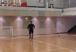 Nusretten futbol topuyla basket
