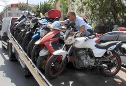 Esenyurtta trafik uygulaması Motosikletlere el konuldu