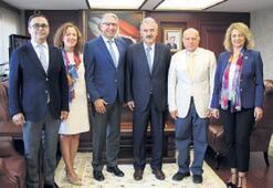 İzmir'deki 27 okula Rotary dokunuşu