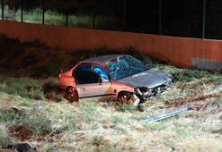 İzmirde otomobil şarampole devrildi: 1 ölü, 1 yaralı