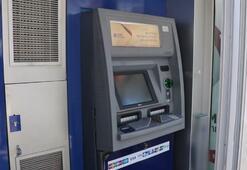 ATM'nin anahtarını üzerinde unuttular