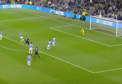 Robin van Persie attığı golle mest etti