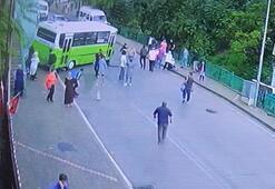 Halk otobüsünün otomobile çarpma anı kameraya yansıdı