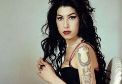 Amy Winehouse kimdir Amy Winehouse ölüm yıl dönümünde anılıyor