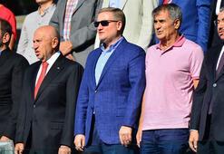 TFF Başkanı Özdemir ile Güneş, Başakşehir-Sivas maçında