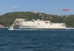 ABD askeri gemisi İstanbul Boğazından geçti