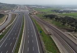 Bakan Turhan İstanbul-İzmir Otoyolundan geçen araç sayısını açıkladı