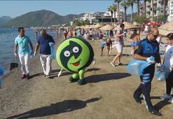 Dünya Temizlik Gününde turistler çöp topladı