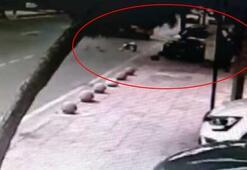 Kadıköyde otomobilin kaldırıma daldığı kaza kamerada