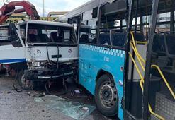 İstanbulda kamyon halk otobüsüne çarptı