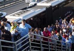 Tatil bitti, okullar açıldı, metrobüs çilesi başladı