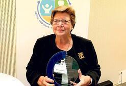 Dünya Sağlık Örgütünün ödülünü alan Prof. Dr. Tomris Türmen: Sağlık hizmetlerine  erişim temel haktır