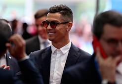 Ronaldo: Messiden daha çok hak ediyorum