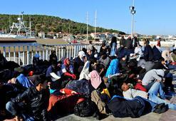 Çeşmede 296 düzensiz göçmen yakalandı