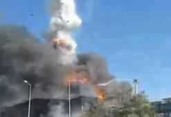 Tuzla Organize Sanayi Bölgesinde yanan fabrikada patlama meydana geldi