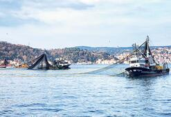 Balık ağları boş çekiliyor