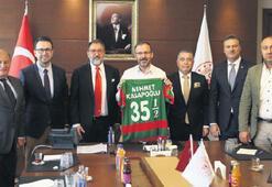 Bakan Kasapoğlu'yla 'Karşıyaka Stadı' zirvesi