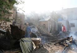 Tunceli'de ev yangını 2si kullanılamaz hale geldi, 1inde hasar oluştu