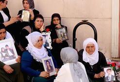 Oturma eylemi yapan Diyarbakırlı anneye tehdit