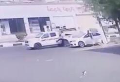 Arabasını tekmeleyen adamı ezdi