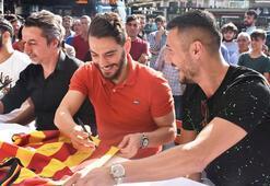 Yeni Malatyasporda futbolcular taraftarlarla buluştu