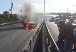 Haliç Köprüsü girişinde otomobil yandı Trafik felç oldu...