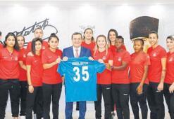 Konaklı kızlardan Batur'a şampiyonluk sözü