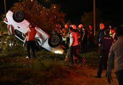 Kaldırıma çarpan otomobil takla attı