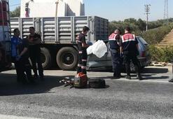 Emniyet şeridinde duran TIRa çarpan otomobilin sürücüsü öldü