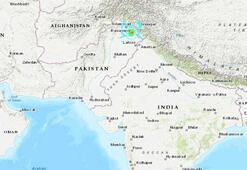 Pakistanda 5.8lik deprem can aldı