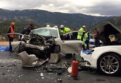 Antalyada feci kaza 4 ölü, 2 yaralı