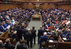 İngilterede Boris Johnsonın hukuksuz biçimde askıya aldığı parlamento yeniden toplandı