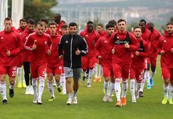 Sivasspor kafilesi Antalyaya gitti